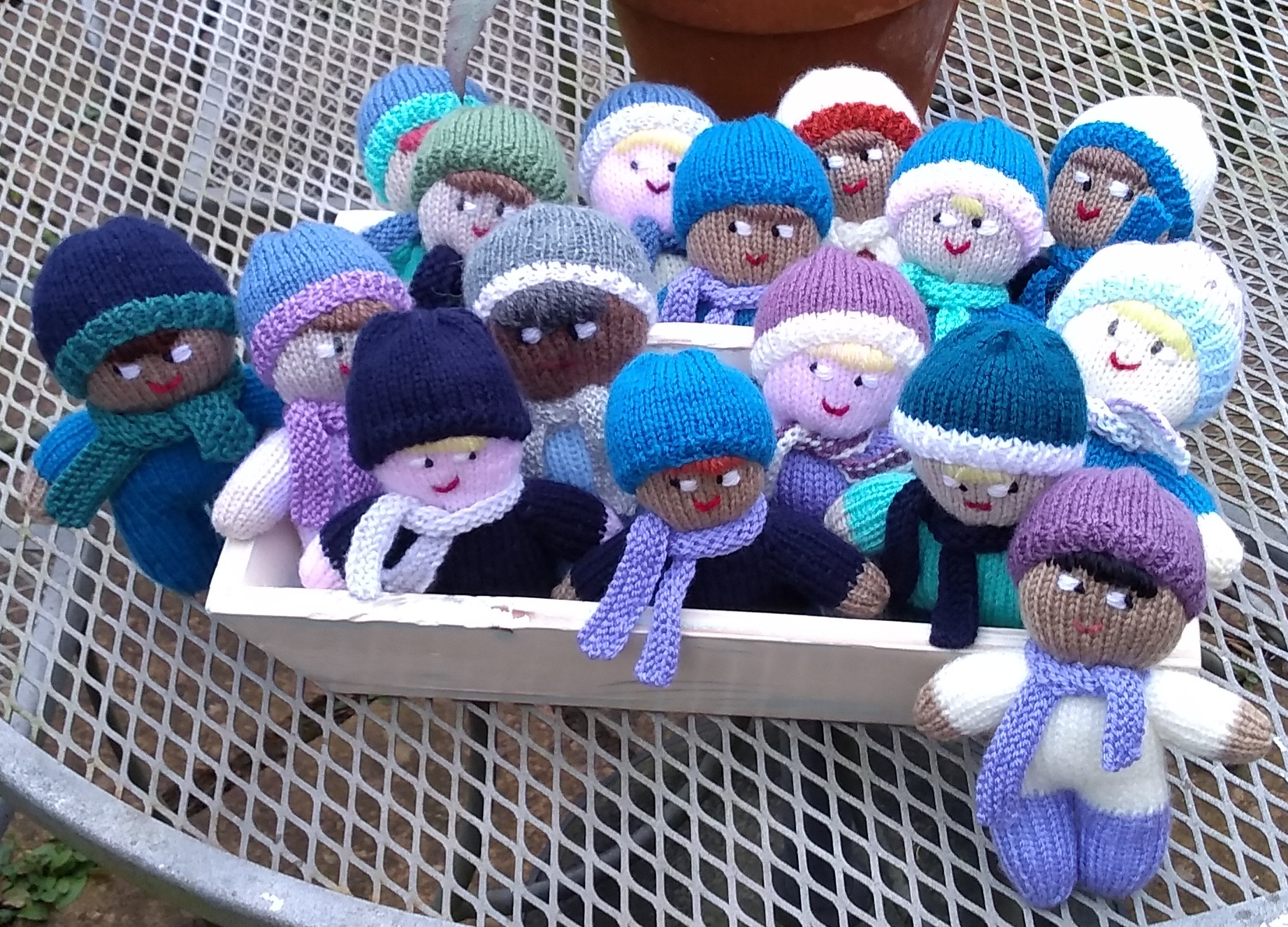Knitted mascots